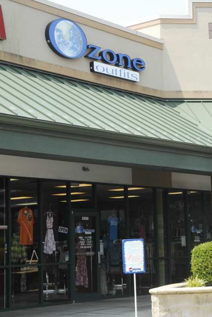 $1 for $5 of clothing at Ozone Outfits in Washington Missouri